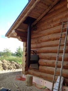 наружный дымоход у деревянного дома